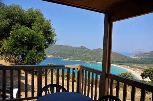 camping-torraccia-bungalow-vue-mer-cargese-corse-du-sud-photo1.jpg